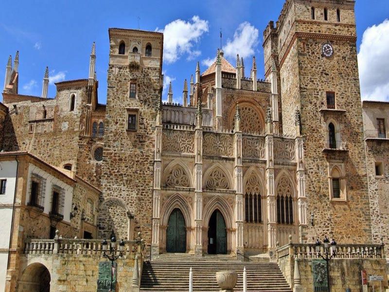 Viajar por España-Monasterio-de-Guadalupe