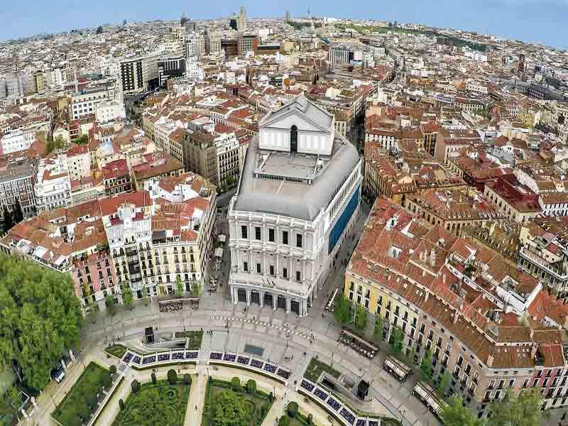 Llegada a Madrid y Palacio de la opera