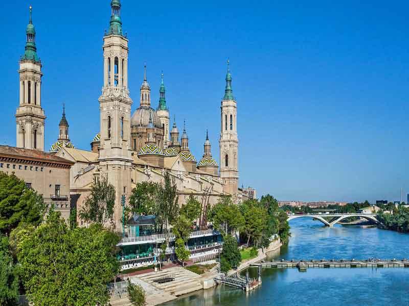 Tour visitando Zaragoza- El Pilar